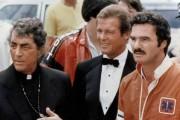 Dean Martin, Roger Moore et Burt Reynolds dans... (Photo fournie par Golden Harvest Company.) - image 2.0
