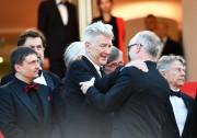 David Lynch fait une accolade à Thierry Frémaux,... (AFP) - image 2.0