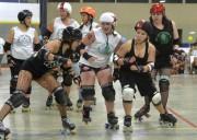 Plus que des filles en bas résille qui se poussent sur des patins vintages, le... - image 2.0
