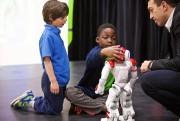 Le robot Nao est un peu capricieux, mais... (Photo André Pichette, La Presse) - image 2.0