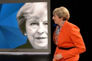 Theresa May sur le plateau deSky News, lundi... (AFP) - image 2.0