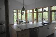 La cuisine a aire ouverte sert autant à... (fournie par AUpoint architecture) - image 2.0