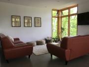 Au salon, tout le monde s'assoit toujours par... (fournie par AUpoint architecture) - image 4.0