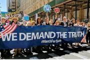 Des dizaines d'organisations de la société civile ont... (PHOTO TIRÉE DU COMPTE TWITTER @MARCHFORTRUTH17) - image 1.0