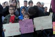 Des citoyens ont assisté à une allocution du... (AFP, Andy Buchanan) - image 4.0