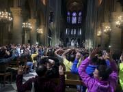 Plusieurs centaines de personnes ont été confinées à... (AP, Nancy Soderberg) - image 2.0