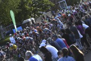 Plusieurs spectateurs étaient présents aux abords du parcours... (Photo Le Quotidien, Michel Tremblay) - image 1.1