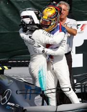Lewis Hamilton (à droite) et Valtteri Bottas ont... (Photo Chris Wattie, REUTERS) - image 1.0
