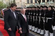 Raimundas Karoblis et son homologue américain James Mattis... (AFP) - image 2.0
