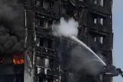 Les pompiers ont progressé jusqu'au 20e étage et... (Photo REUTERS) - image 1.0