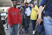 Plusieurs rescapés ont déploré qu'on leur ait conseillé... (Photo AP) - image 3.0