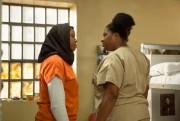 Amanda Stephen incarneAlison Abdullah, uneAfro-Américaine musulmane, dansOrange Is... (PHOTO K C BAILEY, FOURNIE PAR NETFLIX) - image 2.0