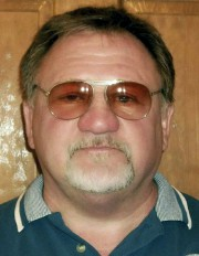 Le présumé tireur, James T. Hodgkinson... (Image tirée de Facebook, via Associated Press) - image 2.0