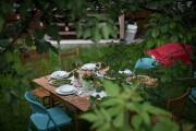 C'est l'été:on envoie la visite... dehors!... (PHOTO OLIVIER JEAN, LA PRESSE) - image 2.0