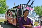 Nicolas Lavigne, propriétaire du Côtes-à-Côtes Resto Grill avec... (Le Soleil, Erick Labbé) - image 2.0