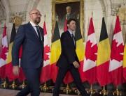 Le premier ministre Justin Trudeau (à droite), qui... (La Presse canadienne, Adrian Wyld) - image 3.0