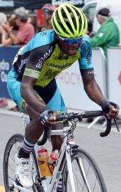 Tout en se frottant à des compétitions cyclistes... (Le Soleil, Erick Labbé) - image 5.0