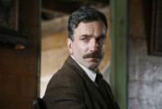 Daniel Day-Lewis dans There Will Be Blood.... (AP) - image 2.0