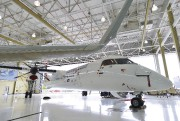 Un Bombardier Q400 dans un hangar de Toronto... (La Presse Canadienne) - image 2.0