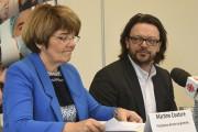 Martine Couture, présidente-directrice générale du CIUSSS, et Jean-François... (Photo Le Quotidien, Michel Tremblay) - image 2.0