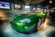 La Jaguar XKR conduite parl'agent secret nord-coréen Zao... (Photo fournie par le Musée national automobile de Beaulieu) - image 1.0