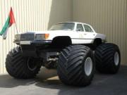 Une Mercedes-Benz Big Foot... (Photo courtoisie du Musée automobile national de l'Émirat) - image 2.0