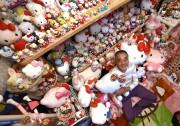 Le collectionneur et ses 5169 articles Hello Kitty.... (Photo AFP) - image 1.0