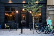 Le Bar Laurel, ouvert depuis un an, est... (PHOTO BERNARD BRAULT, LA PRESSE) - image 4.0