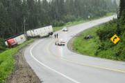 L'accident s'est produit dans une courbe assez prononcée... (Photo Le Quotidien, Gimmy Desbiens) - image 2.0