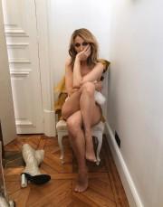 La photo diffusée mardi montre Céline DIon complètement... (Instagram) - image 2.0