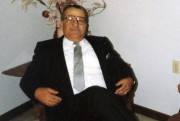 Georges Karam, atteint de Parkinson et d'Alzheimer, a... (Etienne Ranger, Le Droit) - image 2.0