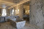 Le design de cette salle de bain a... (AFP, Patrick Kovarik) - image 4.0