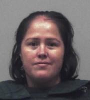 Isabel Martinez a été accusée de cinq chefs... (AP, Gwinnett County Sheriff's Office) - image 1.0