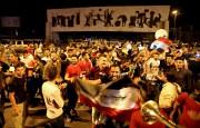 Des Irakiens se sont réunis sur la place... (AFP) - image 4.0