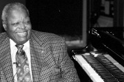 Le jazzman Oscar Peterson... (Archives Le Droit) - image 2.0
