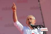 Kemal Kiliçdaroglu s'adresse à ses supporters àMaltepe.... (AFP) - image 2.0
