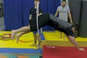 Antoine Pruneau s'exécute lors de l'entraînement.... (Capture d'écran, Vidéo Cirque du Soleil) - image 2.0
