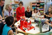 Melania Trumpa visité un grand hôpital parisien pour... (REUTERS) - image 2.0