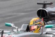 Lewis Hamilton au volant de sa Mercedes W08... - image 8.0