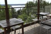 La terrasse vitrée du bistrot situé sur le... (Photo Le Progrès, Michel Tremblay) - image 2.1