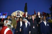 En début de soirée samedi, le président Recep... (AFP) - image 2.0