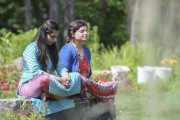 On reconnaît sur la photo Anupriya Sharma et... (Andréanne Lemire) - image 1.0