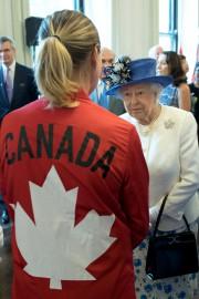 La reine Élisabeth II à la maison du... (AFP) - image 1.0