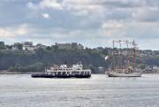 Le traversier Québec-Lévis partage la voie navigable avec... (Le Soleil, Patrice Laroche) - image 4.0
