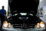 Une Mercedes Benz durant un test d'émissions. Photo:... - image 3.0