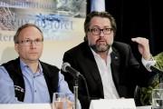 Les ministres Martin Coiteux et David Heurtel... (PHOTO ALAIN ROBERGE, ARCHIVES LA PRESSE) - image 1.0