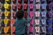 Disponibles dans une panoplie de couleurs et à... (AFP, Nelson Almeida) - image 2.0
