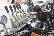 Ilfaut 16 techniciens pour manipuler les manettes donnant... (Patrick Woodbury, Le Droit) - image 2.0