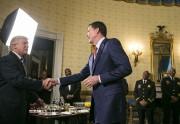 Donald Trump et James Comey se sont serré... (NYT) - image 3.0