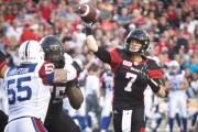 Le rouge et noir d'Ottawa contre les Alouettes... (Simon Séguin-Bertrand, Le Droit) - image 3.0